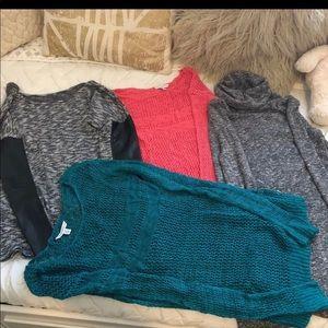 4 Women Long sleeve Shirts Size S/XS